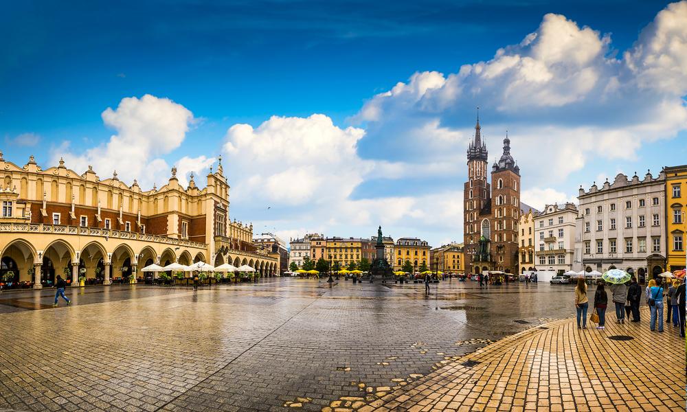 Paczki i przesyłki krajowe do Krakowa