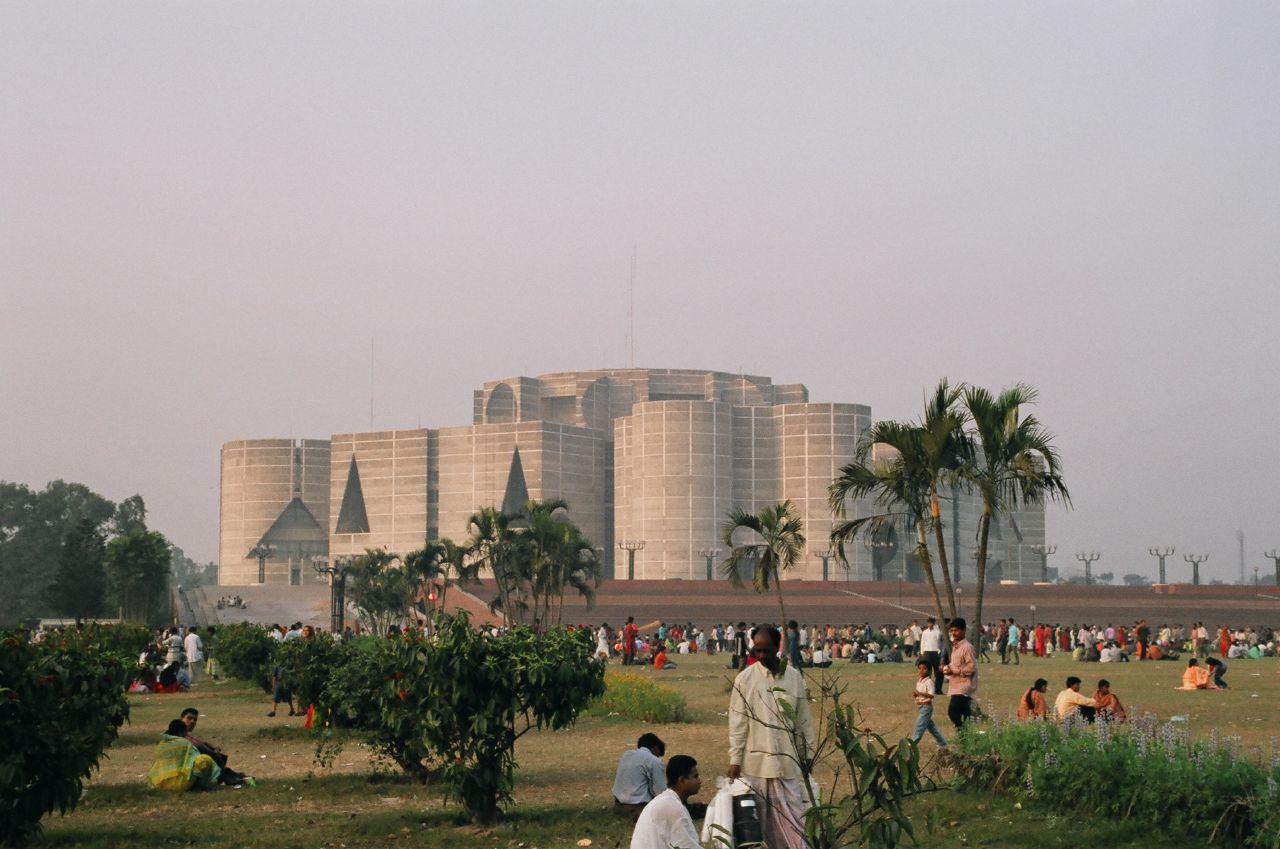 Paczki i przesyłki do Dhaka stolicy Bangladeszu