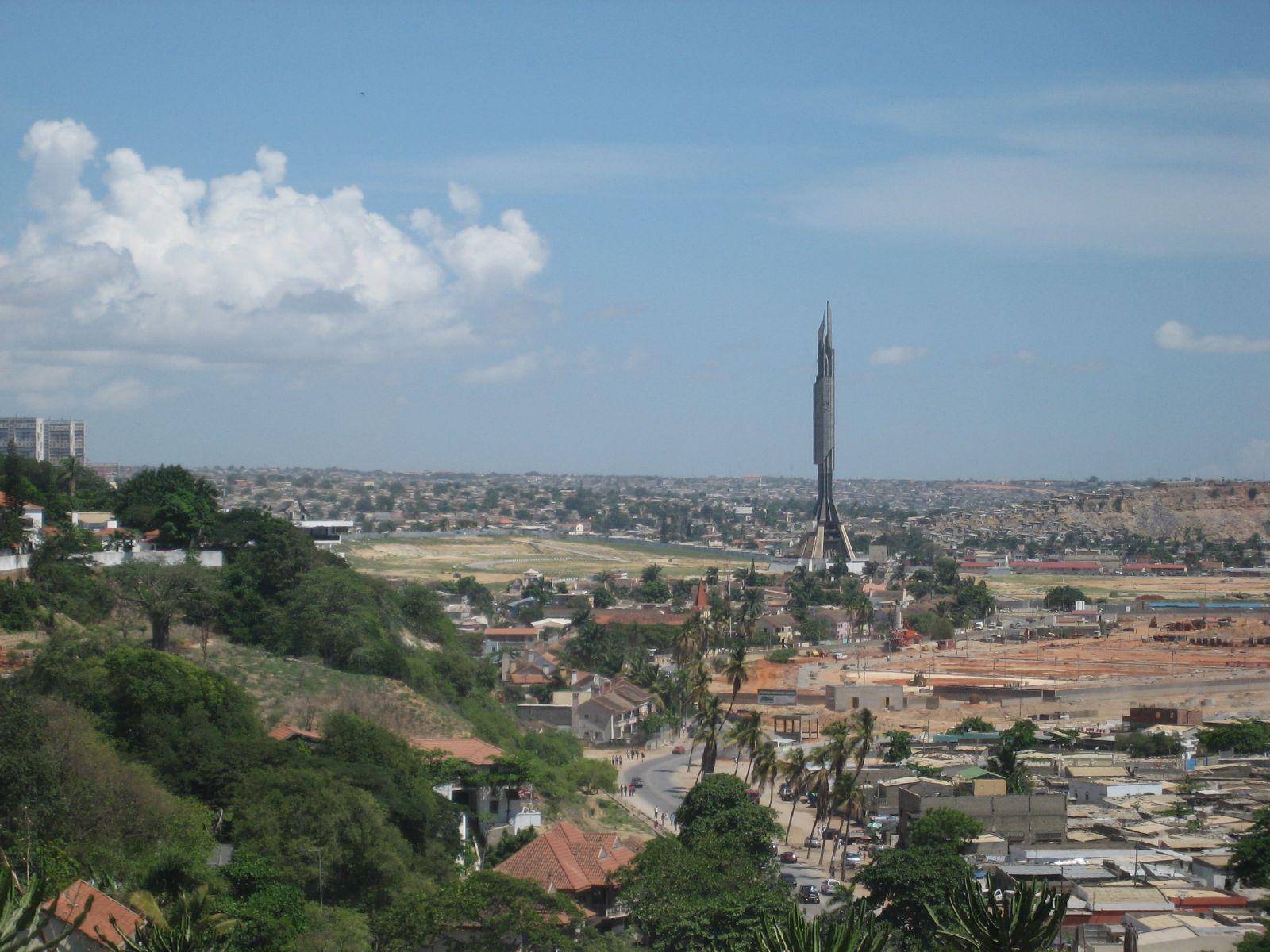 Paczki i przesyłki do Laudy stolicy Angoli