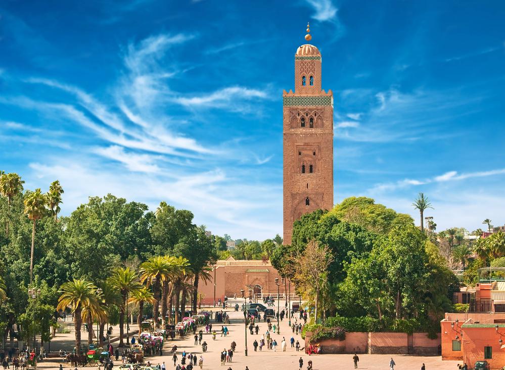 Główny plac z Marakeszu w starej medyny. Maroko