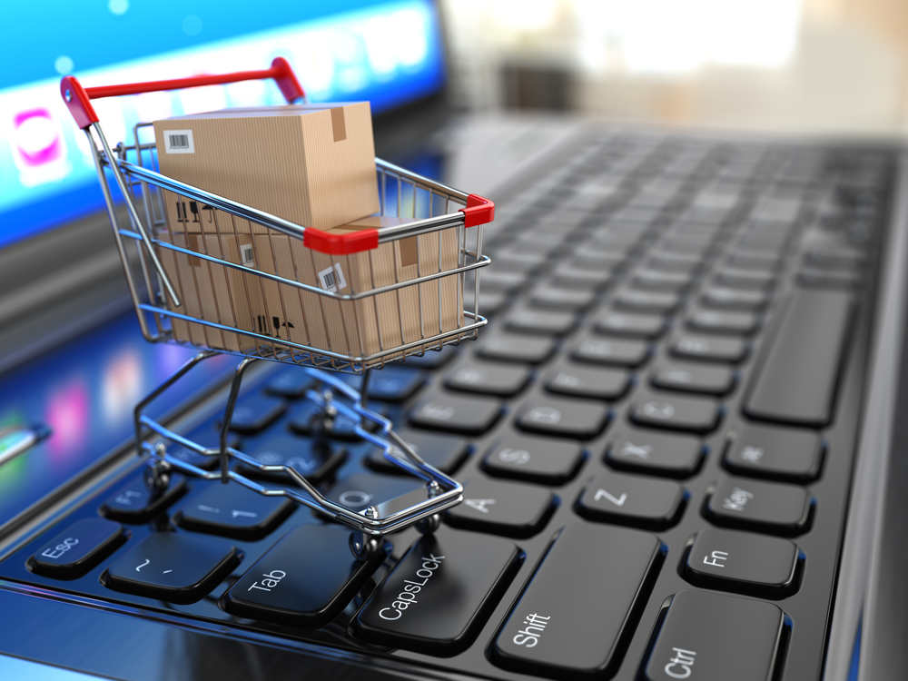 E-commerce w Polsce. Wózek z zakupami.
