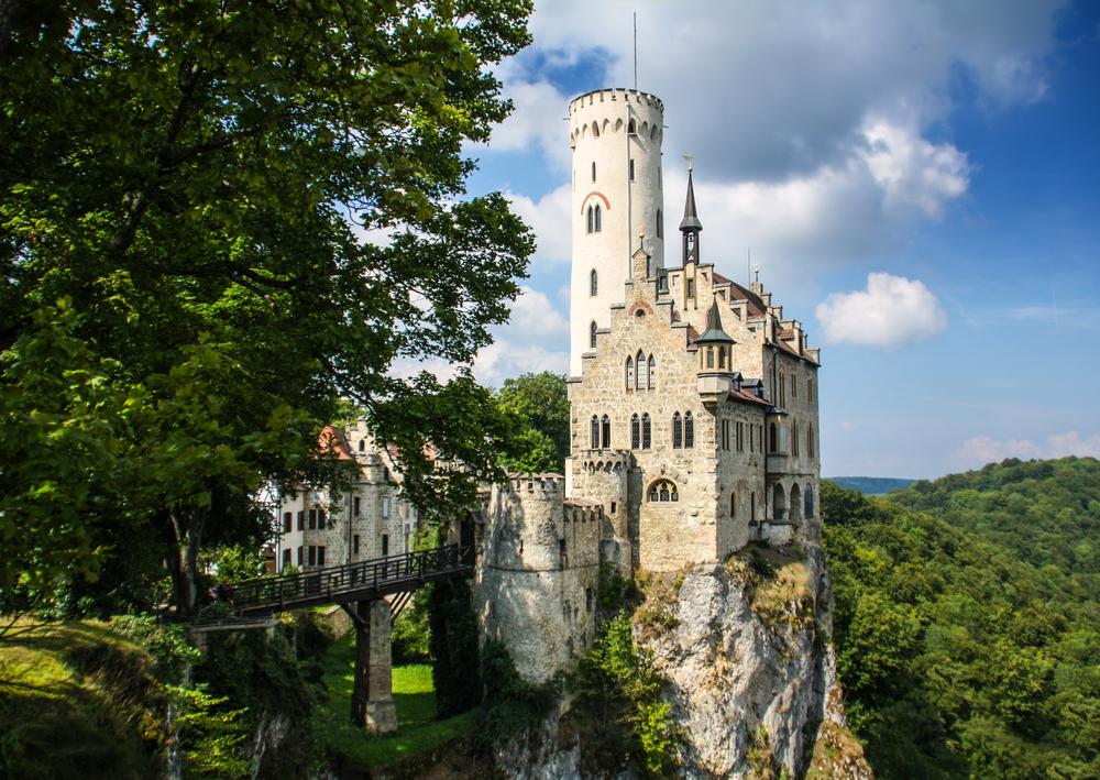 Zamek lichtenstein paczki i przesyłki