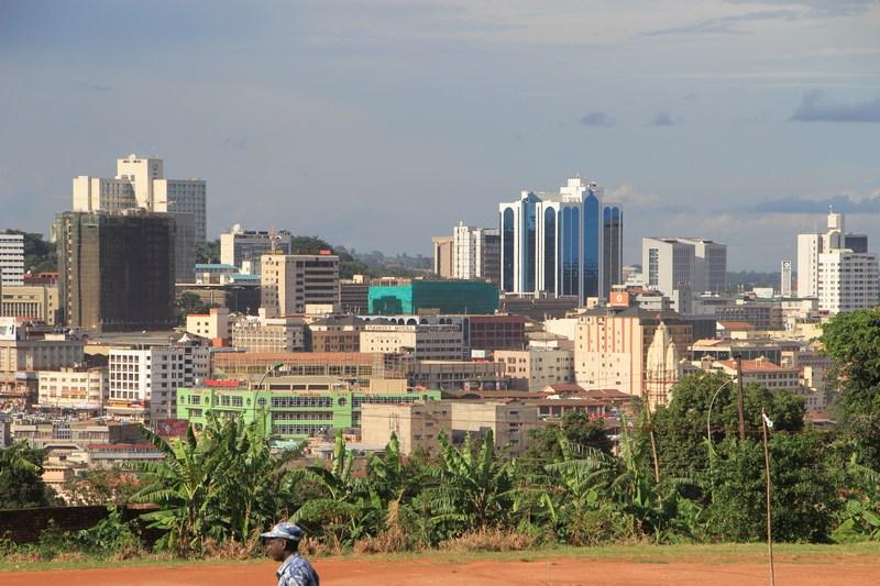 Paczki i przesyłki do Kampalii