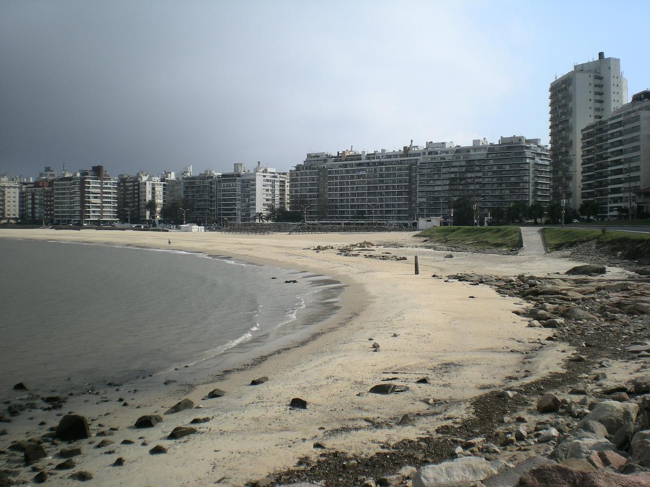 Paczki i przesyłki do Montevideo, stolicy Urugwaju