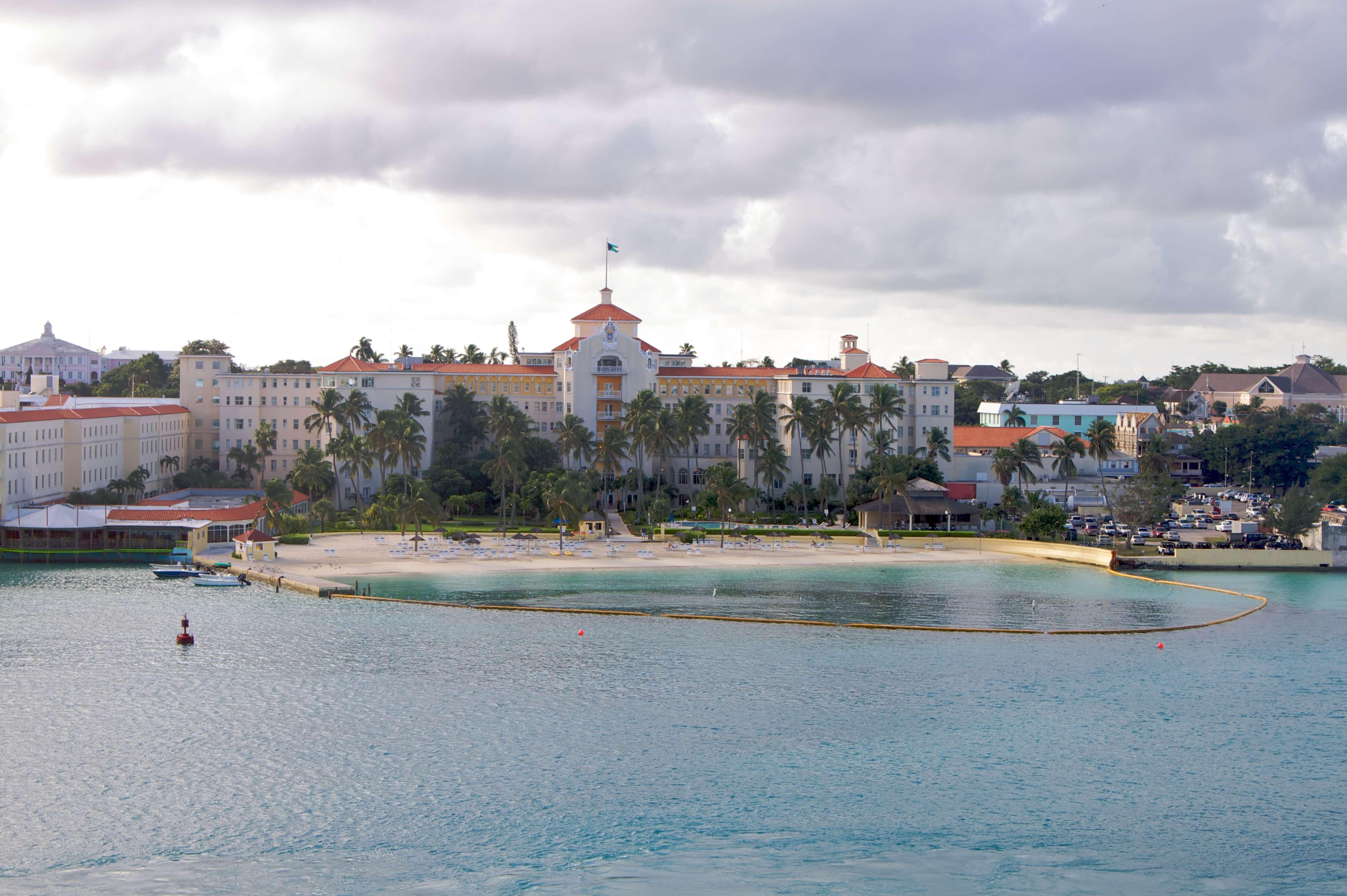 Paczki i przesyłki do Nassau, stolicy Bahamów