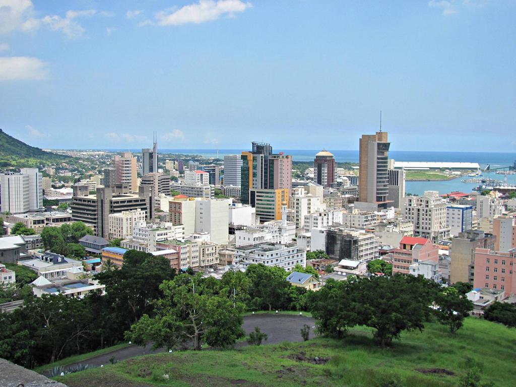 Paczki i przesyłki do Port Louis