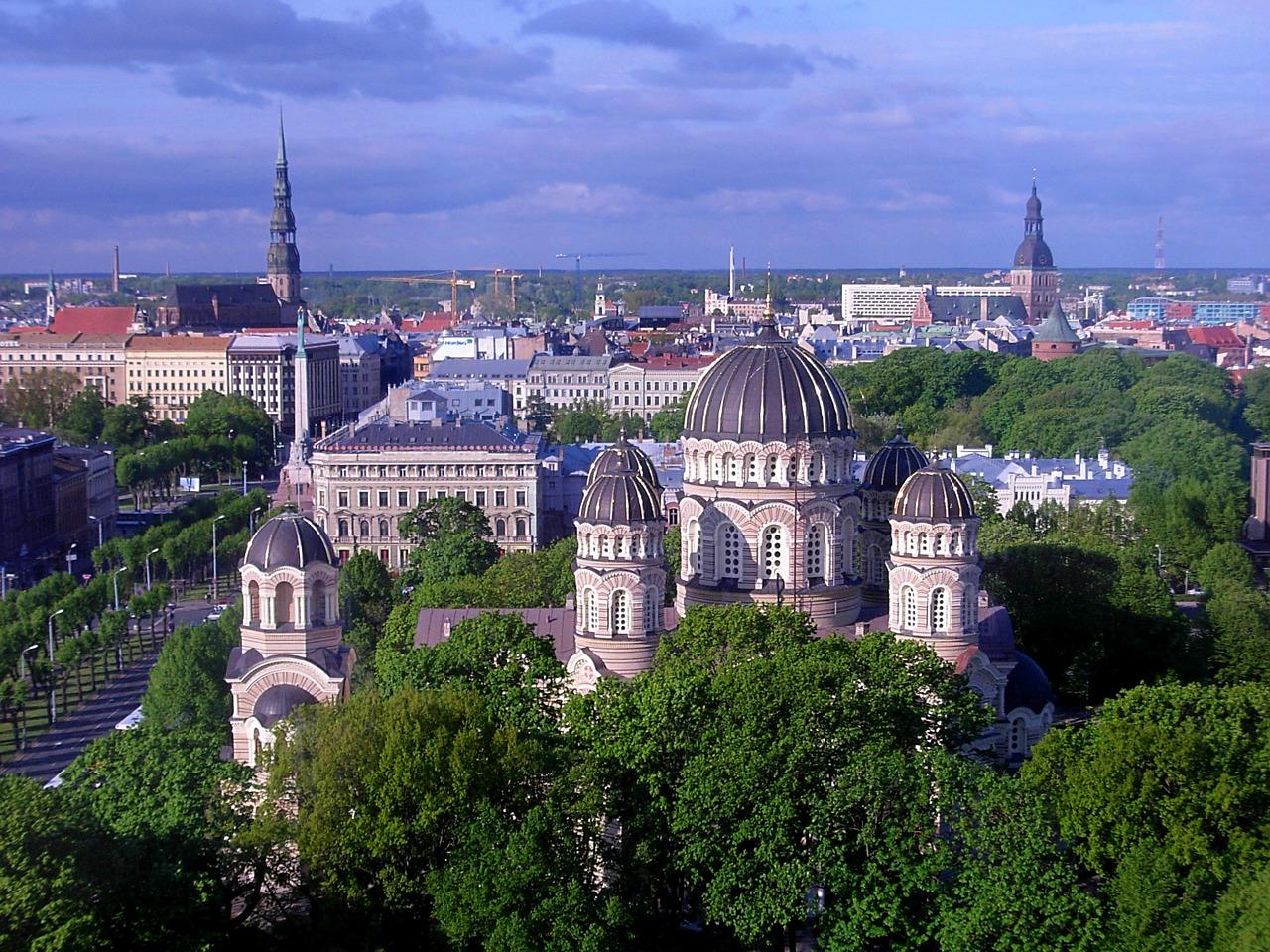 Paczki i przesyłki do Rygi, stolicy Łotwy