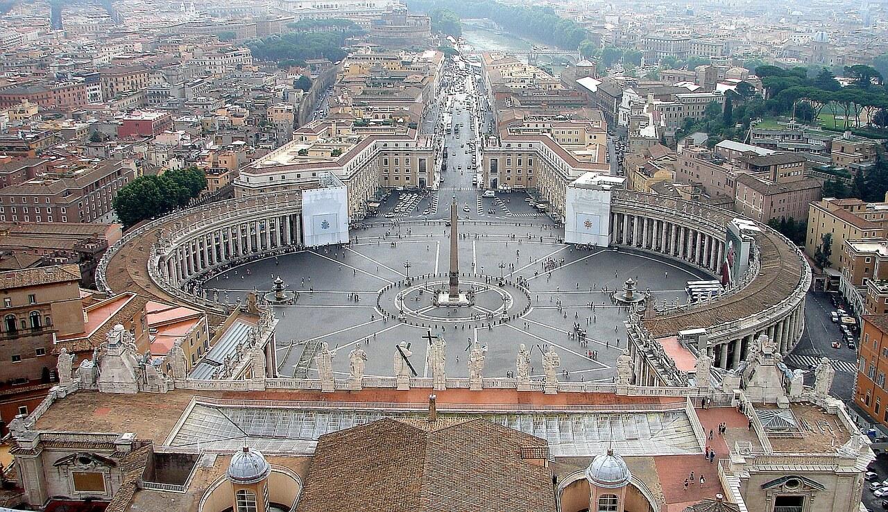 Paczki i przesyłki do Rzymu, stolicy Włoch