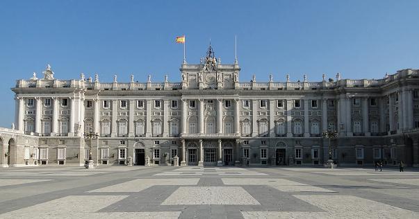 Paczki i przesyłki do Madrytu stolicy Hiszpanii