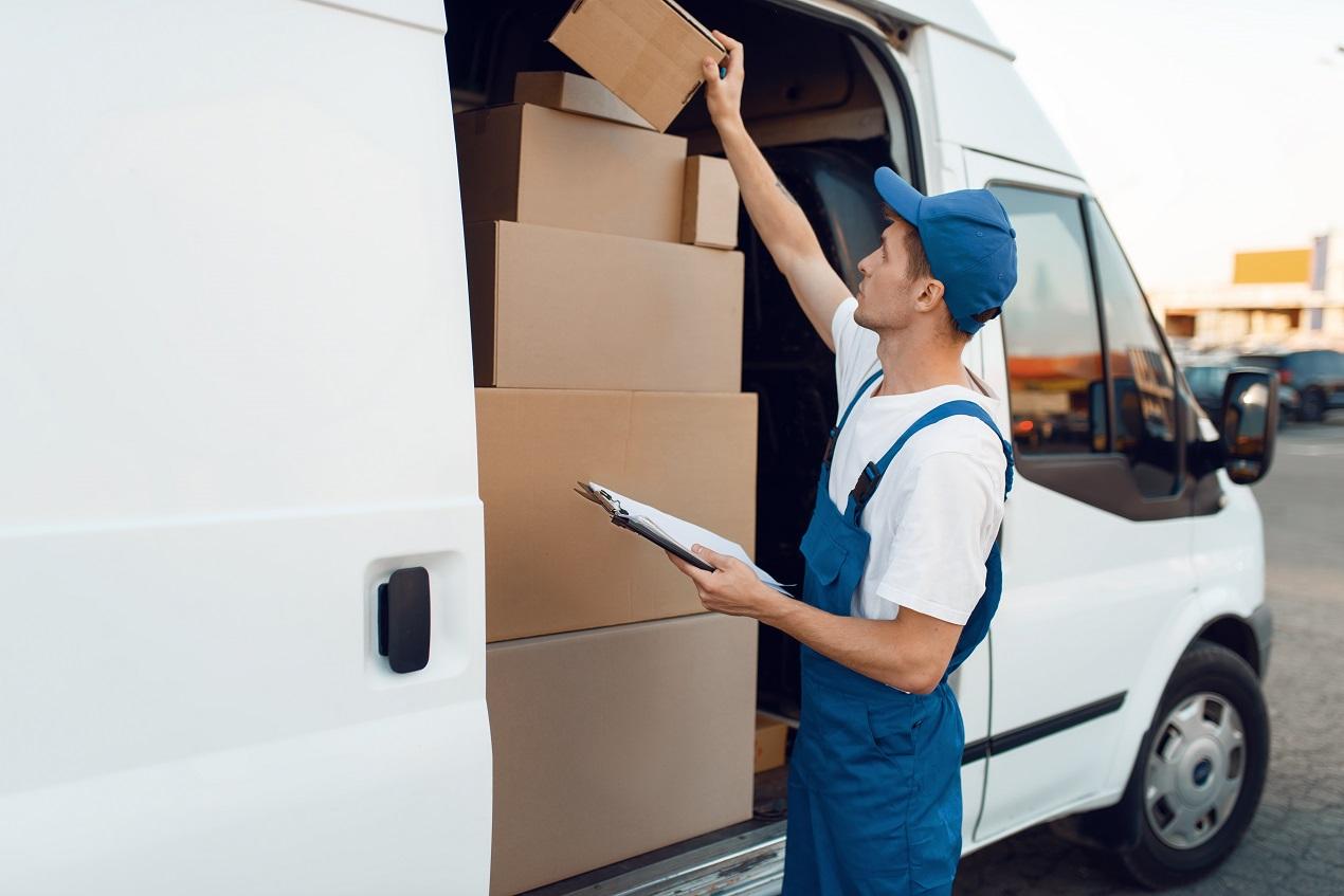 Przesyłka, kurier, dostawa
