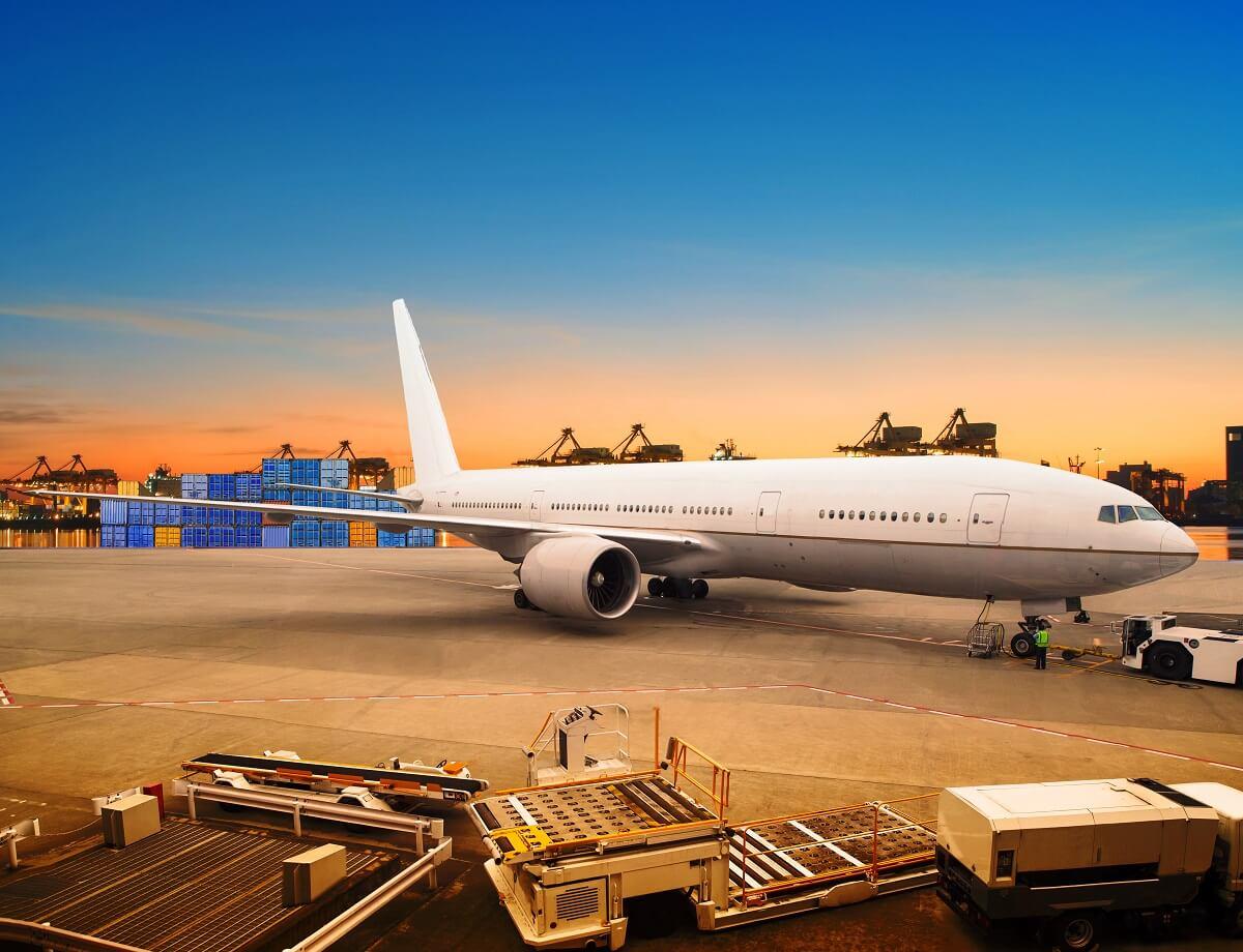 Przesyłki lotnicze, jak zamówić przesyłkę lotniczą
