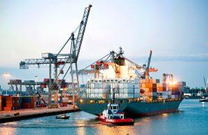 przesyłki morskie, transport samochodu drogą morską